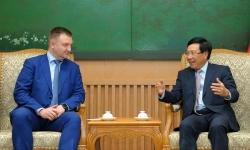 Đoàn đại biểu cấp cao thanh niên Liên bang Nga chào xã giao Phó Thủ tướng Phạm Bình Minh