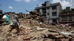 """Sau thảm họa động đất, người dân Nepal trở thành """"con nợ"""""""